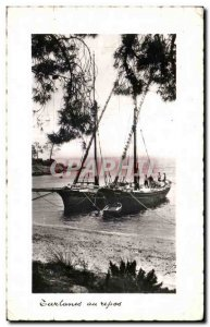 Postcard Old tartans at rest Boat Sailboat
