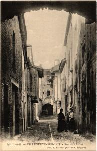 CPA VILLENEUVE-sur-LOT - Rue de l'ARCeau (650818)