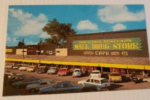 Vintage Postcard Wall Drug Store Black Hills South Dakota old cars autos  736