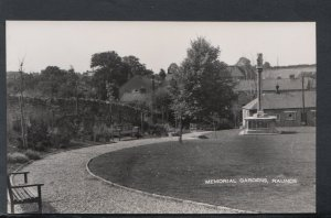 Northamptonshire Postcard - Memorial Gardens, Raunds    RS19268