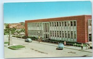 *Post Office Building Red Deer Alberta Canada Vintage Classic Cars Postcard B77