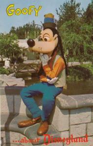 Goofy In Disneyland Vintage American USA Postcard