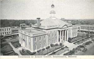 Independence Missouri~Jackson County Court House~Businesses Behind~1930s Cars PC