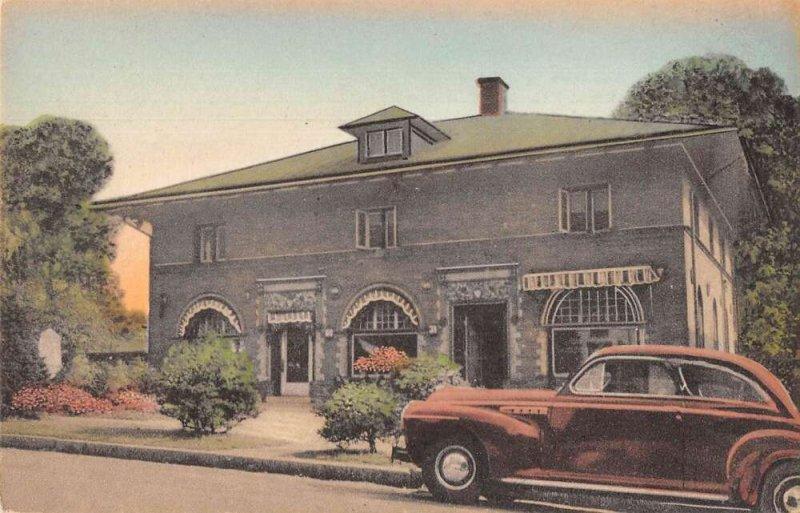 Philadelphia Pennsylvania Clover Hall Florist Overbrook Station Postcard AA27628