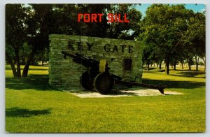 Fort Sill Oklahoma~Key Gate Marker~US Army Artillery Cannon~1950s Postcard