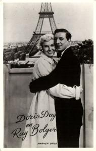 CPA AK Artiste Cinema Film - Doris Day & Ray Bolger (91539)