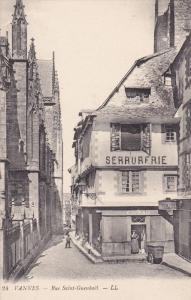 VANNES , France , 00-10s ; Rue Saint-Guenhael