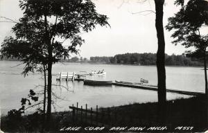Paw Paw Michigan~Lake Cora~Teenagers in Motor Boat Scramble~Fish Dock~1963 RPPC