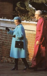 Queen Elizabeth II Church Service Christmas Day 1981 Postcard