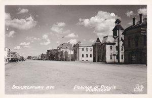 RP: Saskatchewan Avenue , PORTAGE-LA-PRAIRIE , Manitoba , Canada , 1930-40s