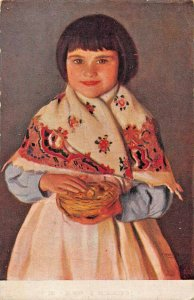 YOUNG SPANISH GIRL~TRADITIONAL COSTUME~HOLDING BIRD NEST-E HERMOSO POSTCARD