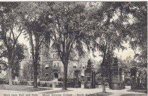 SOUTH HADLEY , Mass , 1941 ; Mount Holyoke College , Mary Lyon Hall & Gate