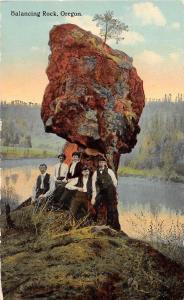 D53/ Balancing Rock Oregon Or Postcard c1910 Southern Pacific Railroad Line Men