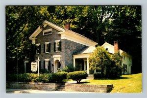 Bennington VT-Vermont, Old Stone House Public Colonial Creations Chrome Postcard