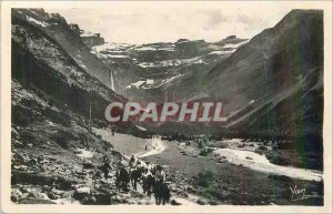 Modern Postcard Gavarnie Le Chemin du Cirque in Plateau de la Prade