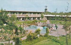 PORT ARTHUR, Texas, 1940-1960's; Driftwood Motor Hotel and Restaurant, Swimmi...