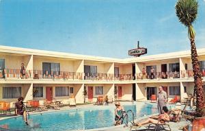 Palm Desert California~Sandra La Resort Hotel~Bathing Beauties at Pool~1960s PC