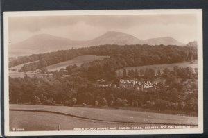 Scotland Postcard - Abbotsford House & Eildon Hills, Selkirk T6578