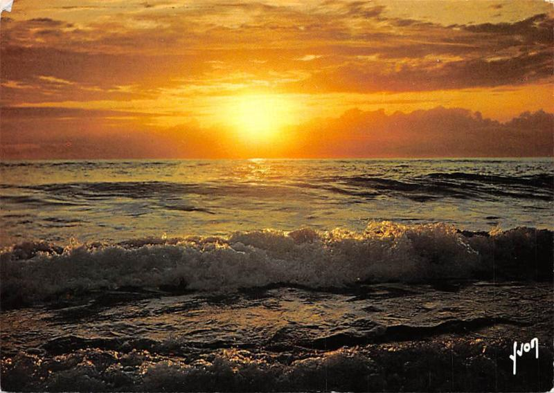 France Coucher De Soleil Sur La Mer Sea Sunset Hippostcard