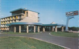 Le Castel de l'Estrie Hotel/Motel, GRANBY, Quebec, Canada, PU-1989