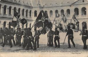 France La Grande Guerre 1914 Remise de Six Drapeaux Allemands Invalides Postcard