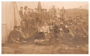 WW 1 Soldiers at mess