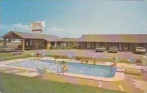Georgia Perry Villager Motel & Swimming Pool