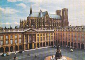 France Reims La place Royale et la Cathedrale