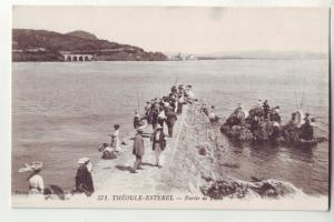 P1076 old france card theoule - esterel - partie de peche many people fishing