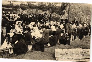 CPA LOCMARIAQUER - Noce Bretonne - La Table des Maries se conposant (206195)