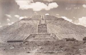 RP; Piramide del Sol, San Juan Teotihuacan, Mexico, 10-20s