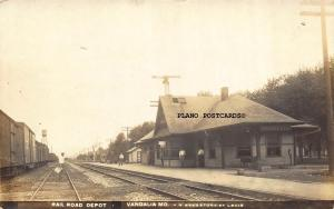VANDALIA, MISSOURI DEPOT-EARLY 1900'S RPPC REAL PHOTO POSTCARD