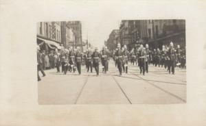 RP: TORONTO (Ontario),  19000-10s ; Street View Of Parade