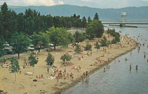Kelowna´s Beaches, Bridge, Kelowna, British Columbia, Canada, 1940-1960s