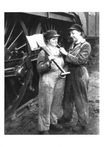 Postcard Mother&Daughter Working at LNER Locomotive Depot Kings Cross 1943 BW16