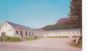 Exterior,  Sea Gull Motel, Les Mouettes, Perce, Quebec, Canada,  40-60s
