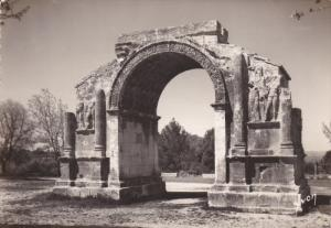RP: SAINT-REMEY-de-PROVENCE , France , 40-50s ; L'arc de triomphe romain