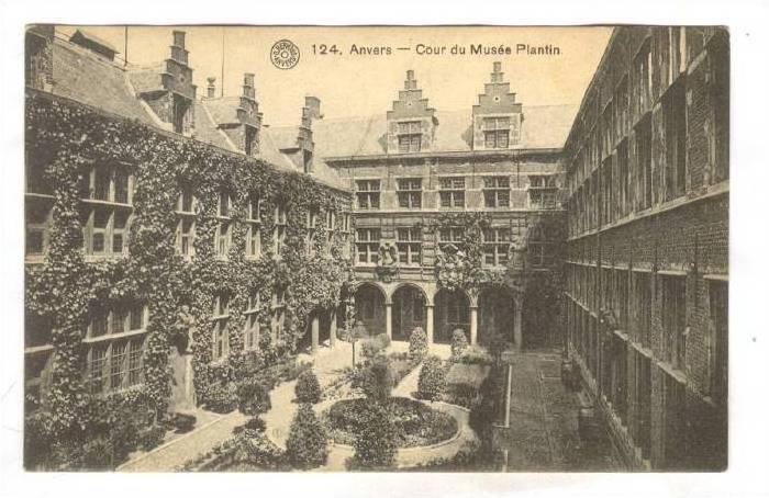 Anvers - Cour du Musee Plantin, BELGIUM , 00-10s