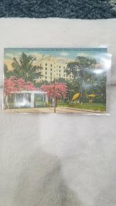 Antique Postcard, Hotel Dixie Grande and Hotel's Private Park, Bradenton, Fl.