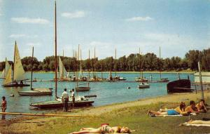 Minneapolis Minnesota Lake Calhoun Beach Scene Vintage Postcard J76244