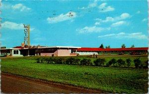 Postcard SK Regina Wheatland Motel and Restaurant Trans-Canada Highway 1970 K10