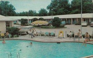 VALDOSTA , Georgia , 1950-60s ; Ashly Oaks Motel , Swimming Pool