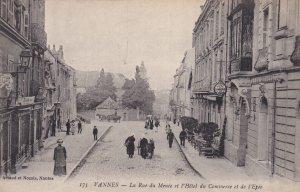 VANNES, Morbihan, France, 1900-1910's; La Rue du Menee et l'Hotel du Commerce...