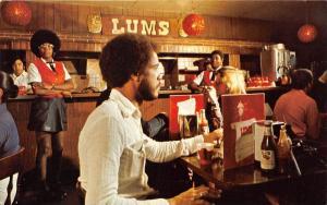 Bahamas Nassau   LUM'S Restaurant
