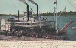 MEMPHIS , Tennessee, 1906 ; Steamer Unloading Cotton