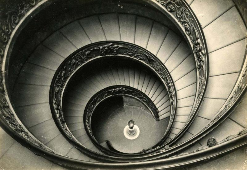 Italy - Rome. The Vatican, Helicoidal Staircase in Sculpture Museum   *RPPC