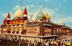 SD - Mitchell. Corn Palace, 1970