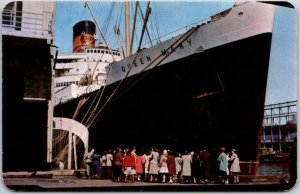 Vintage QUEEN MARY Steamship Steamer Ship Postcard at Dock, New York City c1950s