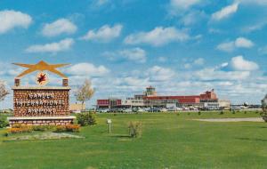 Airport Entrance , GANDER , Newfoundland , Canada , 40-60s