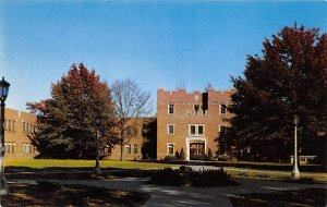 Court of Quadrangle State University Iowa City, Iowa